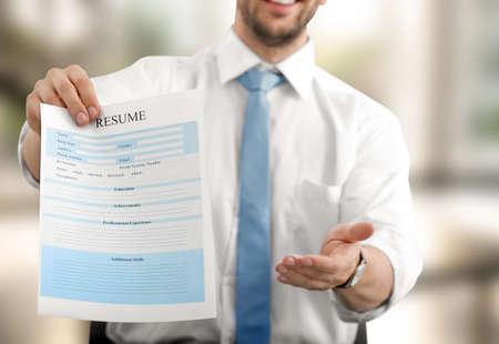 HR-Manager Schlägt Vor, Lebenslauf Zu Füllen Lizenzfreie Fotos ...