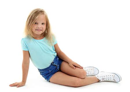 아름 다운 작은 소녀, 흰색 절연 스톡 콘텐츠 - 95125441