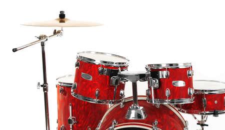 De reeks rode trommels die op witte achtergrond wordt geïsoleerd, sluit omhoog