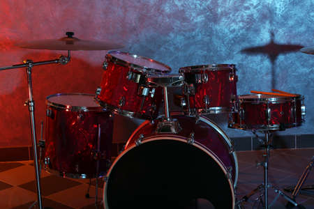 Drum set on brick wall background Stock Photo - 94978001