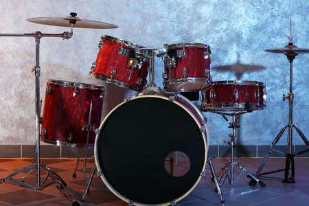 Drum set on brick wall background Stock Photo - 95161637
