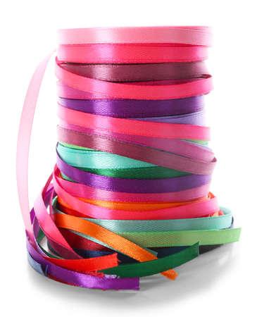 Stapel kleurenlinten, op wit wordt geïsoleerd dat Stockfoto - 95008283