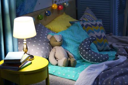 Interni moderni della camera da letto del bambino