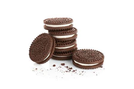 Gustosi biscotti e briciole su sfondo bianco Archivio Fotografico - 96816930