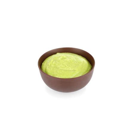 Miska pysznego sosu wasabi na białym tle Zdjęcie Seryjne