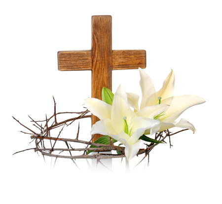 Crown of thorns, wooden cross and lily on white background 스톡 콘텐츠