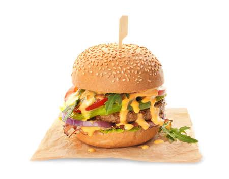 ベーコンのおいしいバーガー、白い背景に隔離