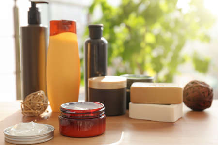 Set of body care products on table Stockfoto