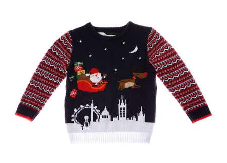 Ciepły sweter bożonarodzeniowy na białym tle. Odzież sezonowa