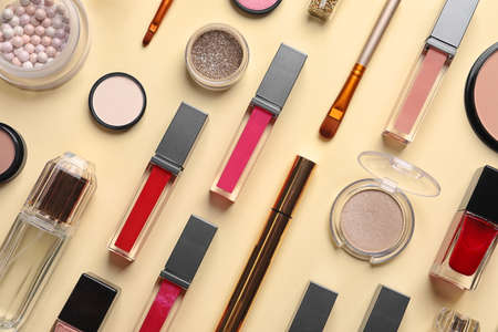 Beautiful composition with lipsticks on color background, flat lay Imagens