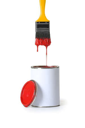 Open paint can and brush isolated on white background Standard-Bild - 115691014