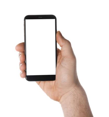 Man met smartphone met leeg scherm op witte achtergrond, close-up van de hand. Ruimte voor tekst Stockfoto