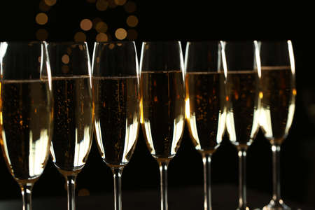 Many glasses of champagne on blurred background, closeup 스톡 콘텐츠 - 124997456