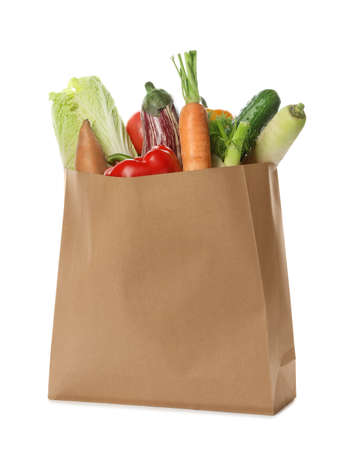 Paper bag with vegetables on white background Zdjęcie Seryjne