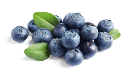 Fresh raw tasty blueberries with leaves isolated on white Standard-Bild