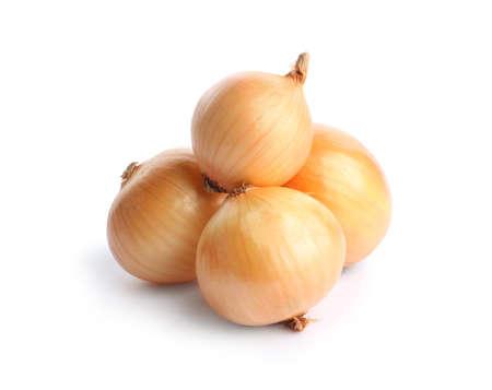 Fresh ripe onion bulbs on white background Standard-Bild