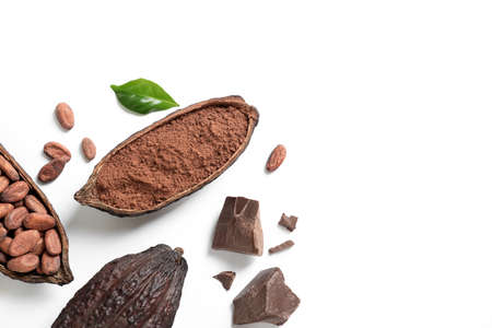 Composition with cocoa products on white background, top view Foto de archivo - 127757548