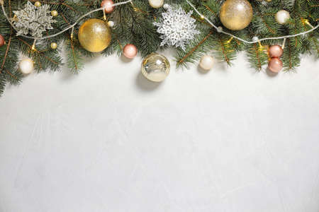 Christmas decoration on white stone background, flat lay. Space for text Imagens - 128832129