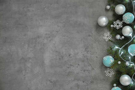 Christmas decoration on stone background, flat lay. Space for text Stockfoto
