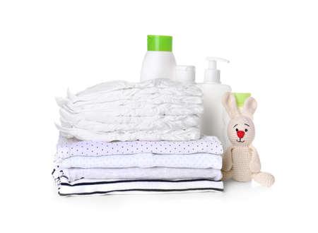 Set Babyzubehör auf weißem Hintergrund