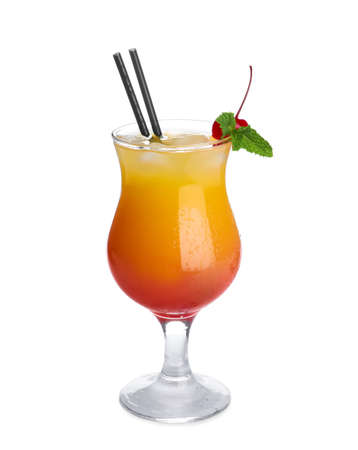 Glass of cocktail Sex on the Beach, white background Banque d'images - 129529161