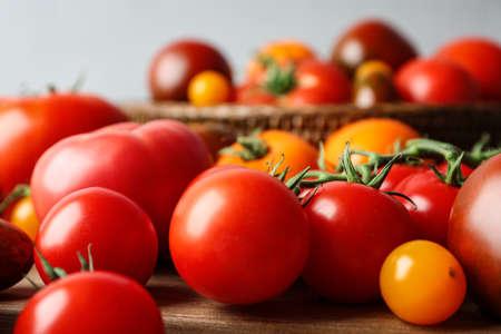 Many fresh ripe tomatoes on table, closeup 写真素材 - 129532039