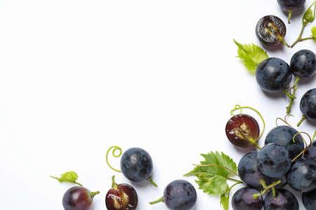 Fresh ripe juicy grapes on white background, top view Archivio Fotografico - 130134322