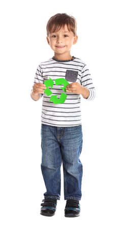 Little boy with recycling symbol on white background Foto de archivo - 131320024