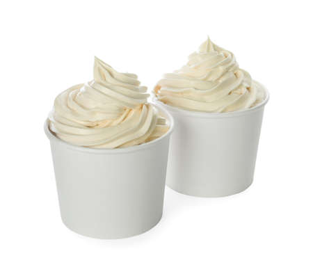 Cups with tasty frozen yogurt on white background Banque d'images - 131578134