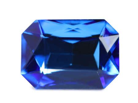 Belle pierre précieuse pour bijoux sur fond blanc Banque d'images