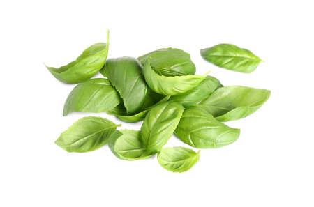 Fresh green basil leaves isolated on white Foto de archivo - 133570166