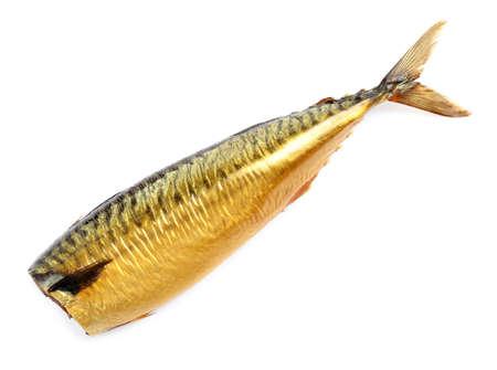Pesce affumicato saporito isolato su bianco. Deliziosi frutti di mare