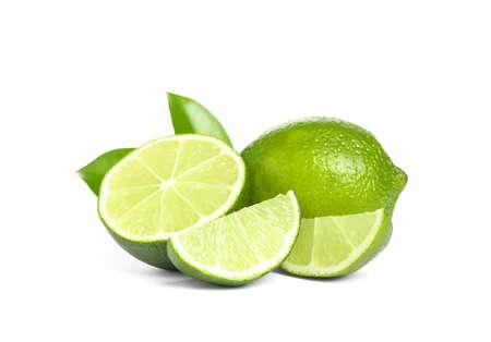 Świeże dojrzałe zielone limonki na białym tle Zdjęcie Seryjne