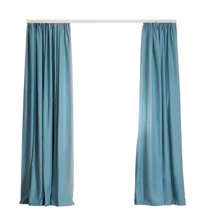 Hermosas elegantes cortinas azules sobre fondo blanco.