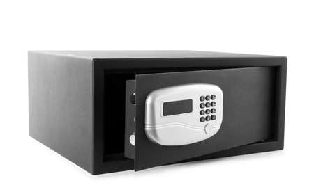 Cassaforte in acciaio nero con serratura elettronica isolata su bianco Archivio Fotografico