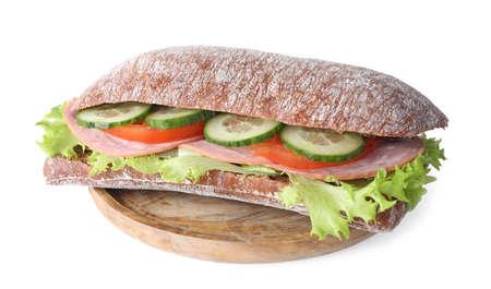 Leckeres Sandwich mit Schinken isoliert auf weiß Standard-Bild