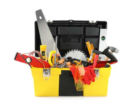 Box mit verschiedenen Tischlerwerkzeugen isoliert auf weiss
