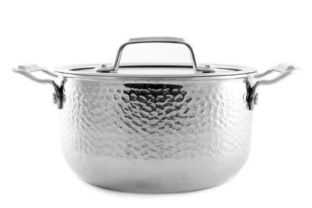 Casserole en métal isolé sur blanc. Ustensiles de cuisine domestiques Banque d'images
