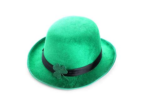 Green leprechaun hat with clover leaf isolated on white. St. Patrick's Day celebration Zdjęcie Seryjne