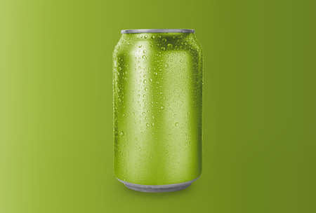 Aluminum can with drink on green background Standard-Bild