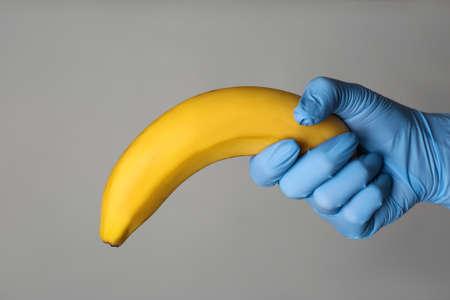 egy péniszbemutató