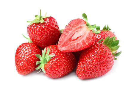 Pile of delicious cut and whole strawberries on white background Banque d'images