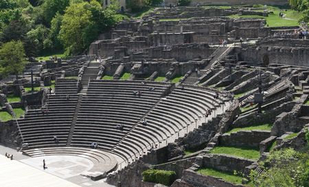 zbytky: Remains of the Roman theatre in Lyon, France