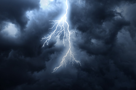 streak lightning: A lightning strike on the cloudy sky