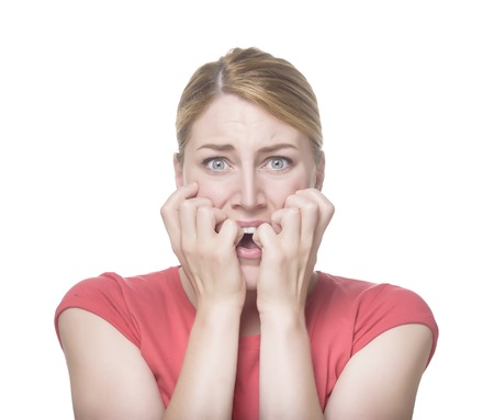 Koele jonge vrouw vrees gezicht. Geïsoleerd op wit. Stockfoto - 41851683