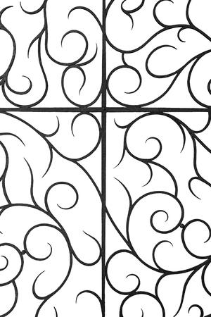puertas de hierro: Antigua reja de hierro forjado decorativo, aislado en fondo blanco.