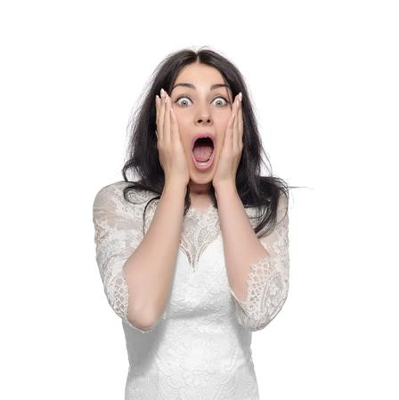 Bride abrió la boca con sorpresa. Aislado en blanco