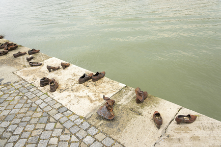 danuba: Monument to the Jews who were executed in Budapest on the Danube River.