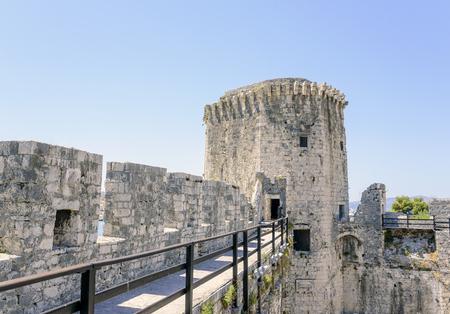 古い石造りの要塞の壁。