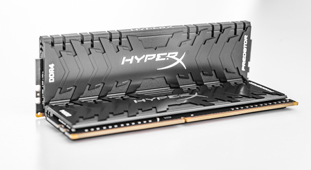 Kingston DDR4 HyperX Predator Black ram on white background.